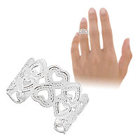 Anel de falange (ou infantil) ajustável folheado a prata c/ adornos em forma de coração - Clique para maiores detalhes
