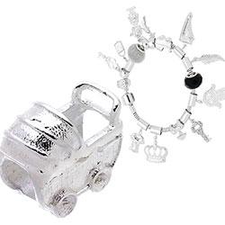 Berloque folheado a prata em forma de carrinho de bebê (Pandora inspired) - Clique para maiores detalhes