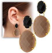 Brinco folheado a ouro c/ pedras acrílicas facetadas com formato oval - Clique para maiores detalhes
