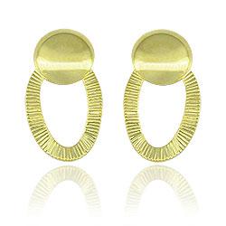 Brinco folheado a ouro em formato oval c/ detalhes estampados - Clique para maiores detalhes