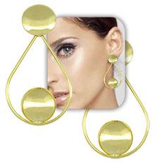 Brinco folheado a ouro c/ adereço em forma de gota e adereços côncavos - Clique para maiores detalhes