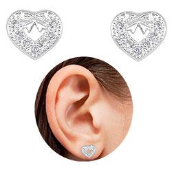 Brinco folheado a prata em forma de coração c/ micro zircônias - Clique para maiores detalhes