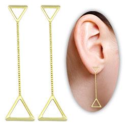 Brinco folheado a ouro c/ adornos em forma de triângulo e correntinha - Clique para maiores detalhes