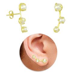 Brinco Ear Cuff folheado a ouro com pérolas - Clique para maiores detalhes