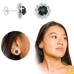 Brinco folheado a prata com pedras de strass na cor cristal e verde no centro - Clique para maiores detalhes