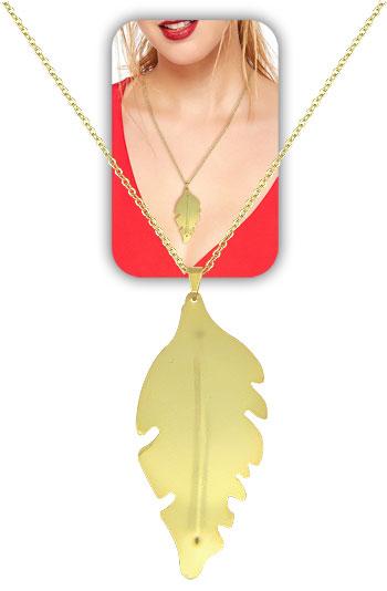Gargantilha longa folheada a ouro c/ pingente de folha, semelhante ao utilizado pela person. Karola (Segundo Sol)