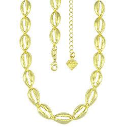Gargantilha choker folheada a ouro composta por búzios - Clique para maiores detalhes