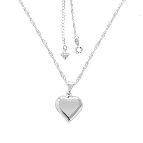 Gargantilha folheada a prata com pingente em forma de um coração abaulado